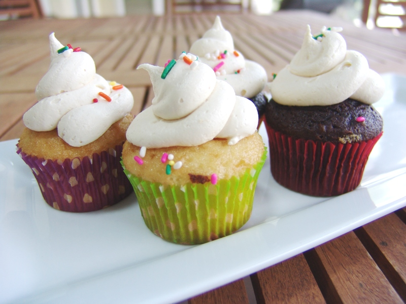 Vanilla Malted Frosting | LOVES TO EAT